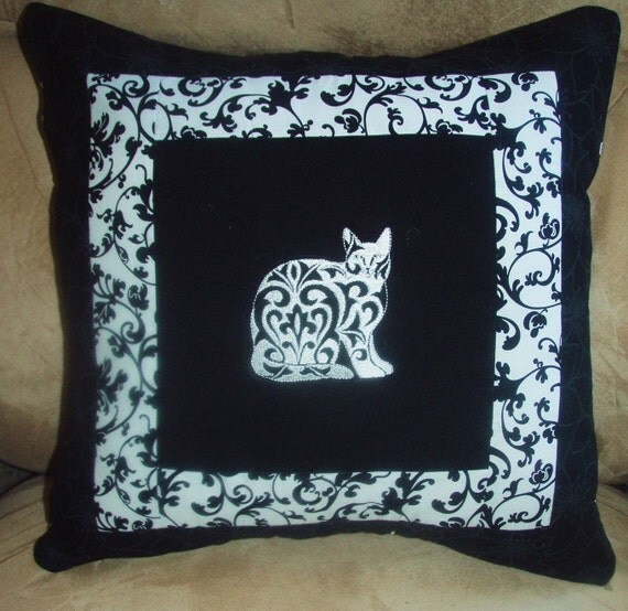 Pillow Cover Damask Cats 2 in Black and White