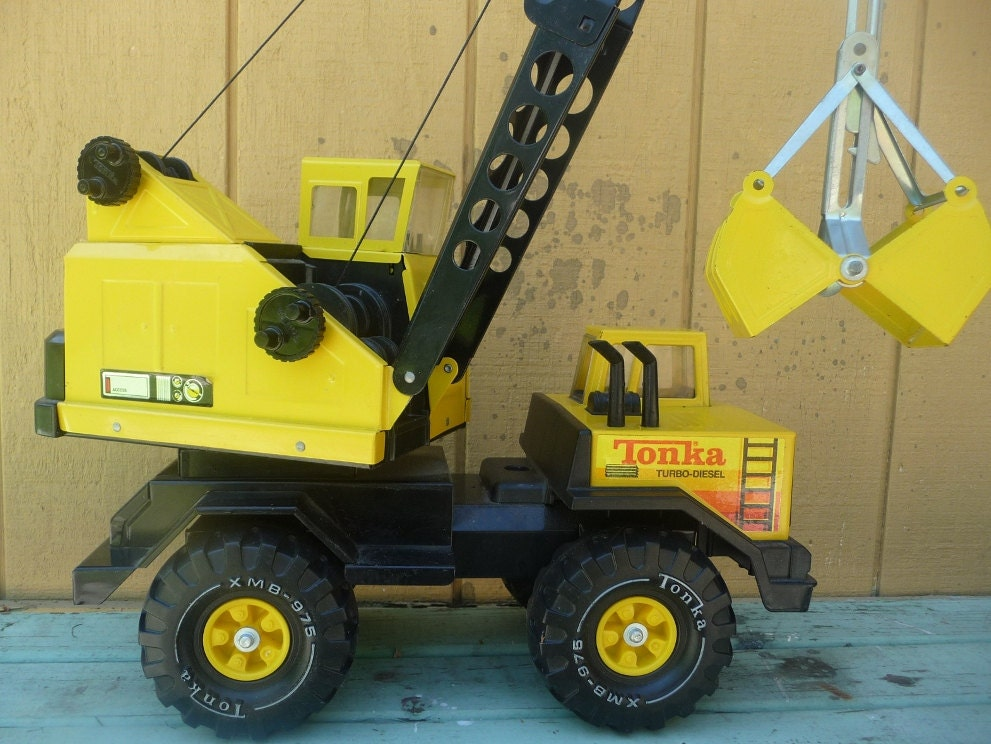 Vintage Metal Tonka Truck and Crane