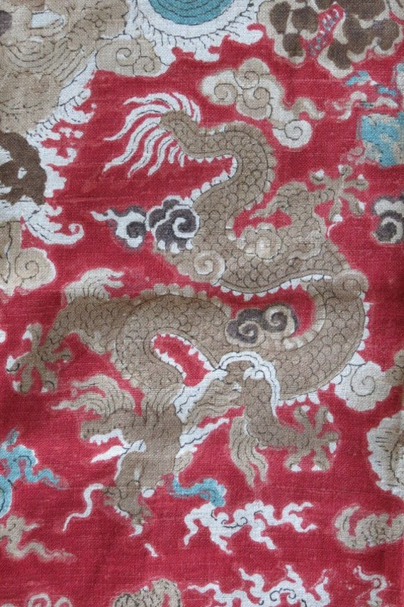 Vintage Floral LINEN Print Fabric - Chinese Dragons