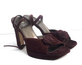BCBG MAXAZRIA Purple Wine Stacked Velvet Sandals Shoes 8B