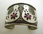 Two Mexican LOVE BIRDS and Hearts Silver Cuff BRACELET with Fuchsia Swarovski Crystals - Artisan