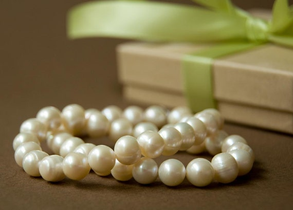 Handknotted genuine HUGE creamy pearls 9-9.5mm - real pearl necklace - ivory - off white - gift - recycled kraft giftbox with green satin ribbon - handmade wedding jewelry custom - grass - leaf - soft - pastel - forest - fall - spring - autumn - apple