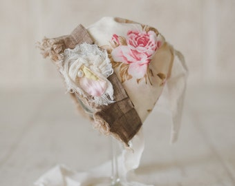 STELLA. Pink and Cream. Floral Fabric. Baby Bonnet. Vintage Style. Shabby Chic. Baby Girl. Newborn  Photography Prop.Tolola Design.