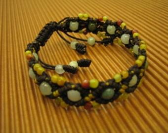 DELIGHTFUL   ..   Jade Beads Bracelet  .  Handknotting Jewelry