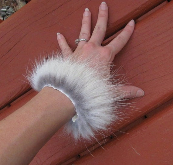 Real Timber Wolf Fur Leather Bracelet