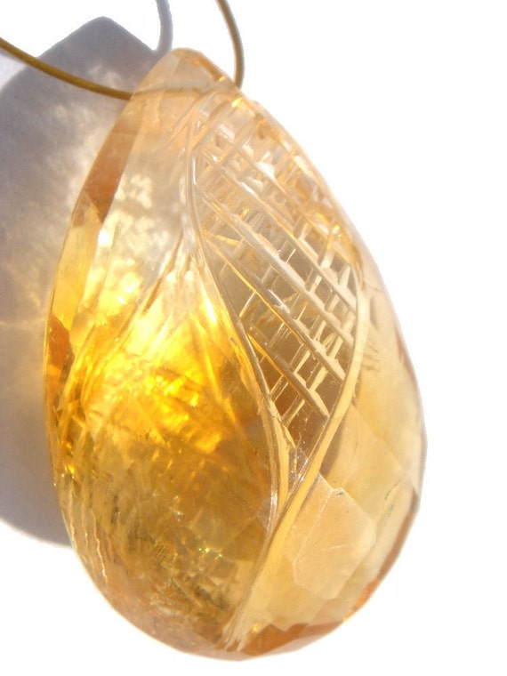 Citrine Faceted Carved Focal Pear Pendant (Quality AA) / 1 Focal Piece of 16x25 mm / CODE 497