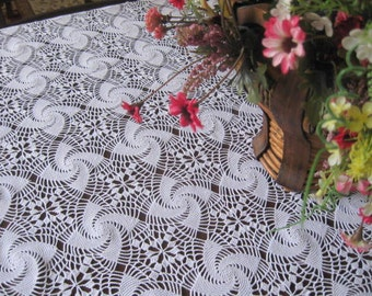 lace tablecloth - vintage lace -