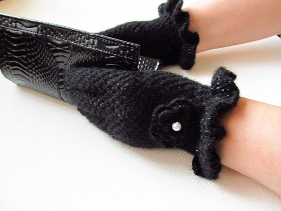 gloves // crochet gloves / black gloves