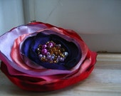 Beautiful brooch-scrunchy ' Lilla'