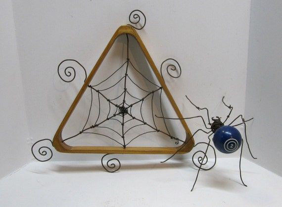 Barbed Wire Billiard Ball Spider Complete With Rack Web