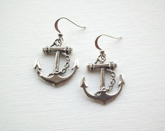 VLV Rockabilly Pinup Anchor Earrings