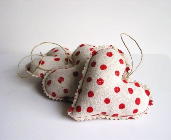 Holiday Hearts Red Dots Gift Wrap Hanging Ornament Christmas Decoration 3pk