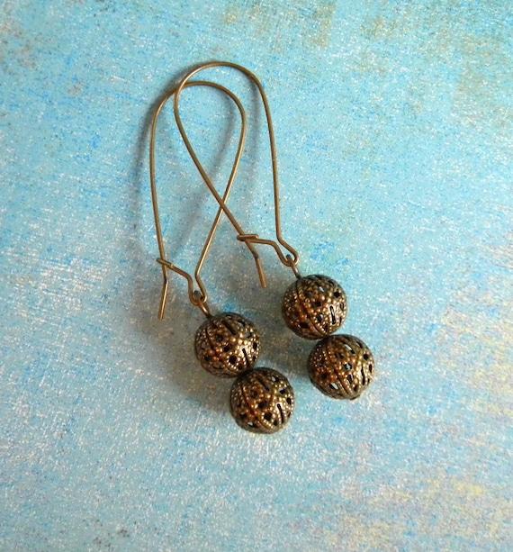 Ree Earrings in Aged Brass