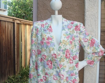 Vintage thin and breezy floral  roses china print jacket size small/medium size 6