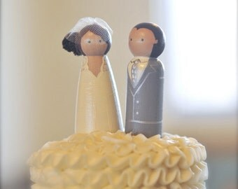 WEDDING CAKE TOPPER Custom Cake Topper Bride Groom Wood Peg Doll Vintage Wedding Toppers Keepsake Personalized Wedding cake Toppers