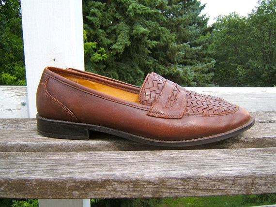 vintage brown leather slip ons //  penny loafers // shoes size 10