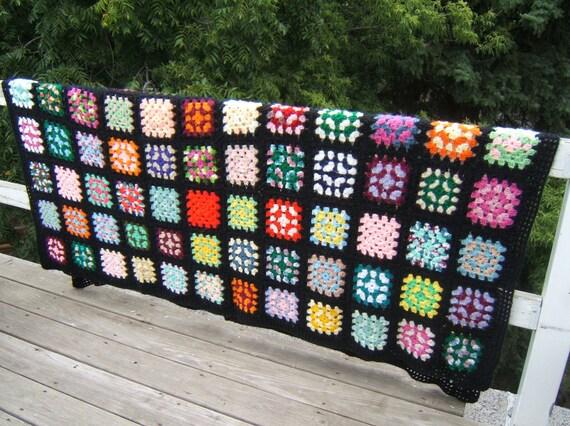 SALE vintage afghan // blanket // queen bedspread