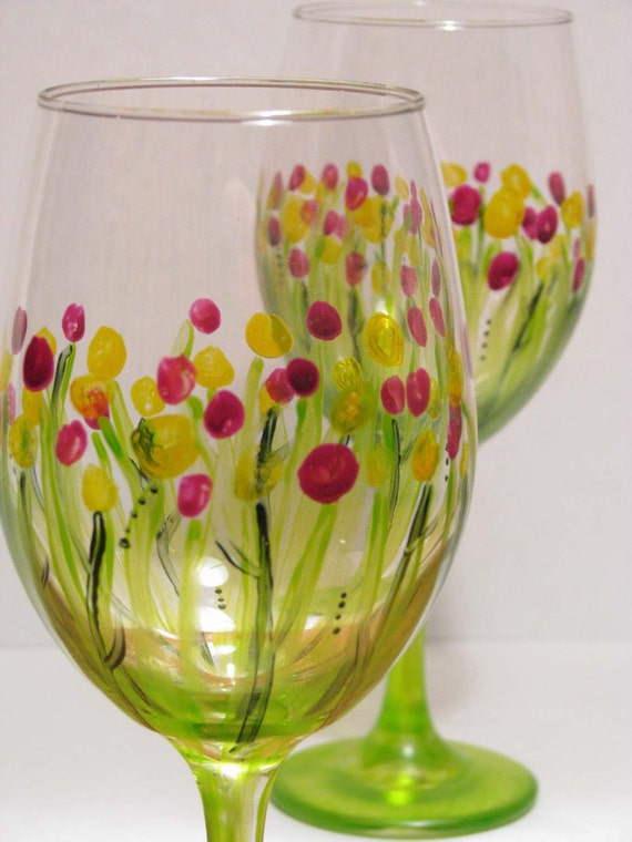 Wine glasses hand painted wild flowers design by prettymydrink for Hand designed wine glasses