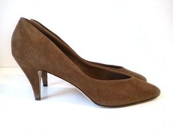 Vintage Brown Suede Heels 8M