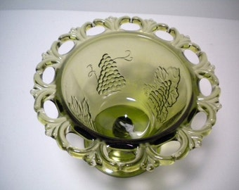 Vintage Lace Edge Avocado Green Glass Compote Bowl Dish Grape Vines