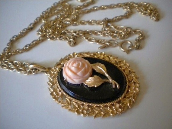 Vintage 70s Avon Pink Rose Cameo & Mirror Pendant/ Long Necklace