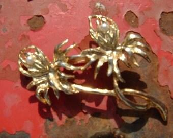 Entwined Flower Brooch