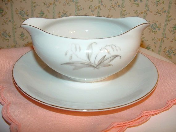 Antique 1961 Gravy Boat by Kaysons