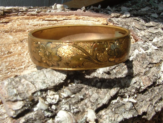 Gold tone  Bangle Bracelet with Engraved Flower pattern