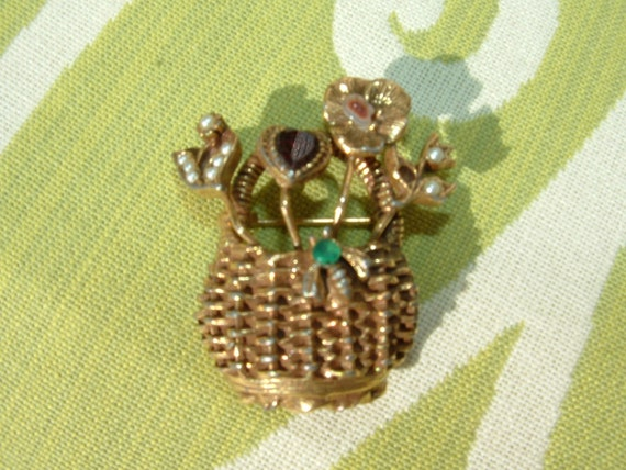 Goldette Basket Brooch with stickpin Flowers