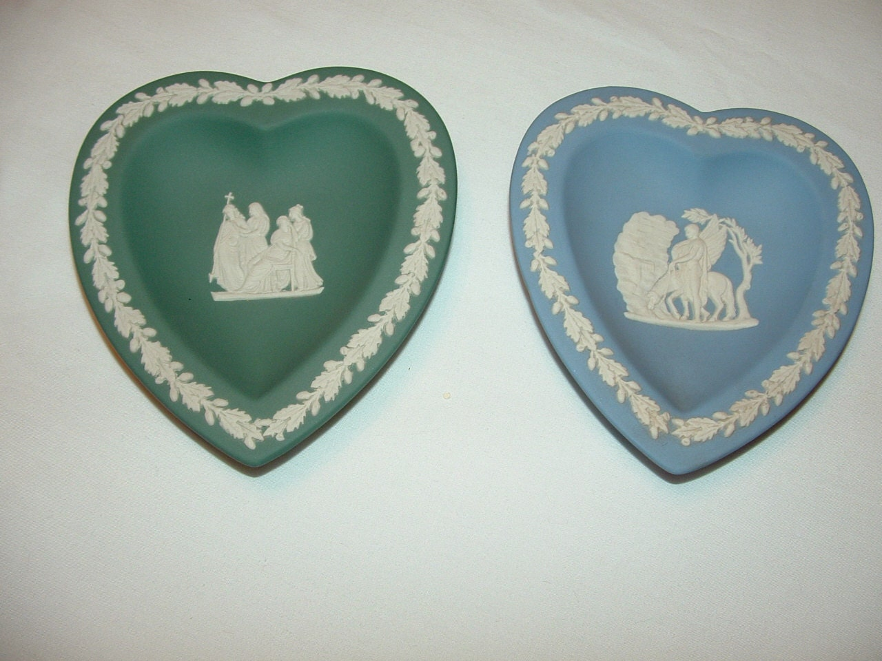 Sale 2 heart shaped wedgewood pin or trinket dishes Wedgewood designs