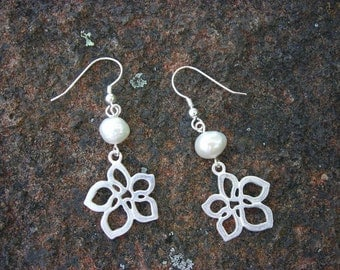 Aloha Pearl Earrings
