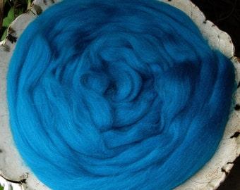 Vivid Turquoise Merino Longwool Top Superwash