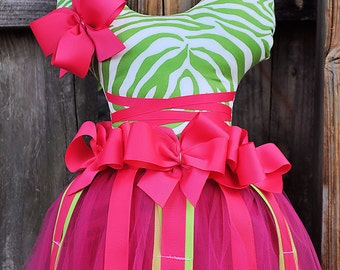 Zebra green and fuchsia ballerina hair bow holder