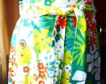 Vintage 1970s Skirt in Bright Floral Pattern turquoise greens orange chartreuse white size small medium