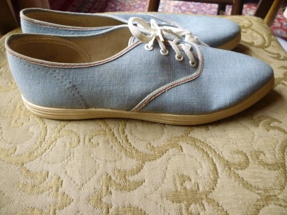 NOS 1960s tennis shoes Wing Dings Baby Blue