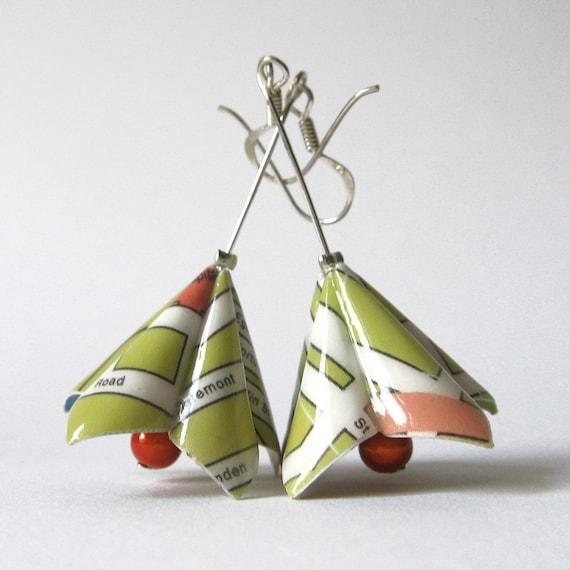 Paper earrings - Lotus traveller