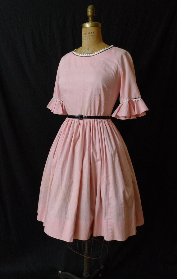 SALE- 25% OFF-Vintage Pink 1950's Cotton Dress // Square Dance Dress