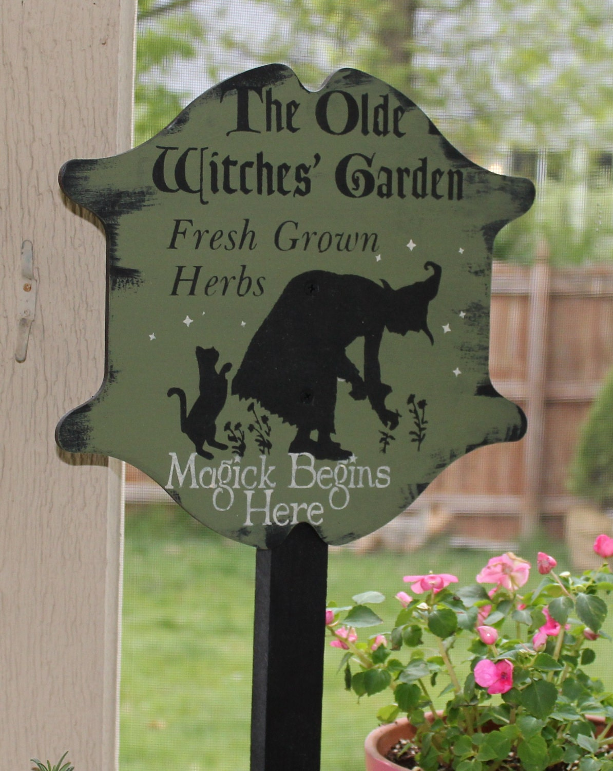Olde witches herb garden decorative sign w stake for Outdoor decorative signs