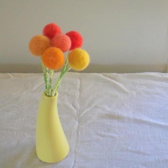 how to make pom pom flowers with wool