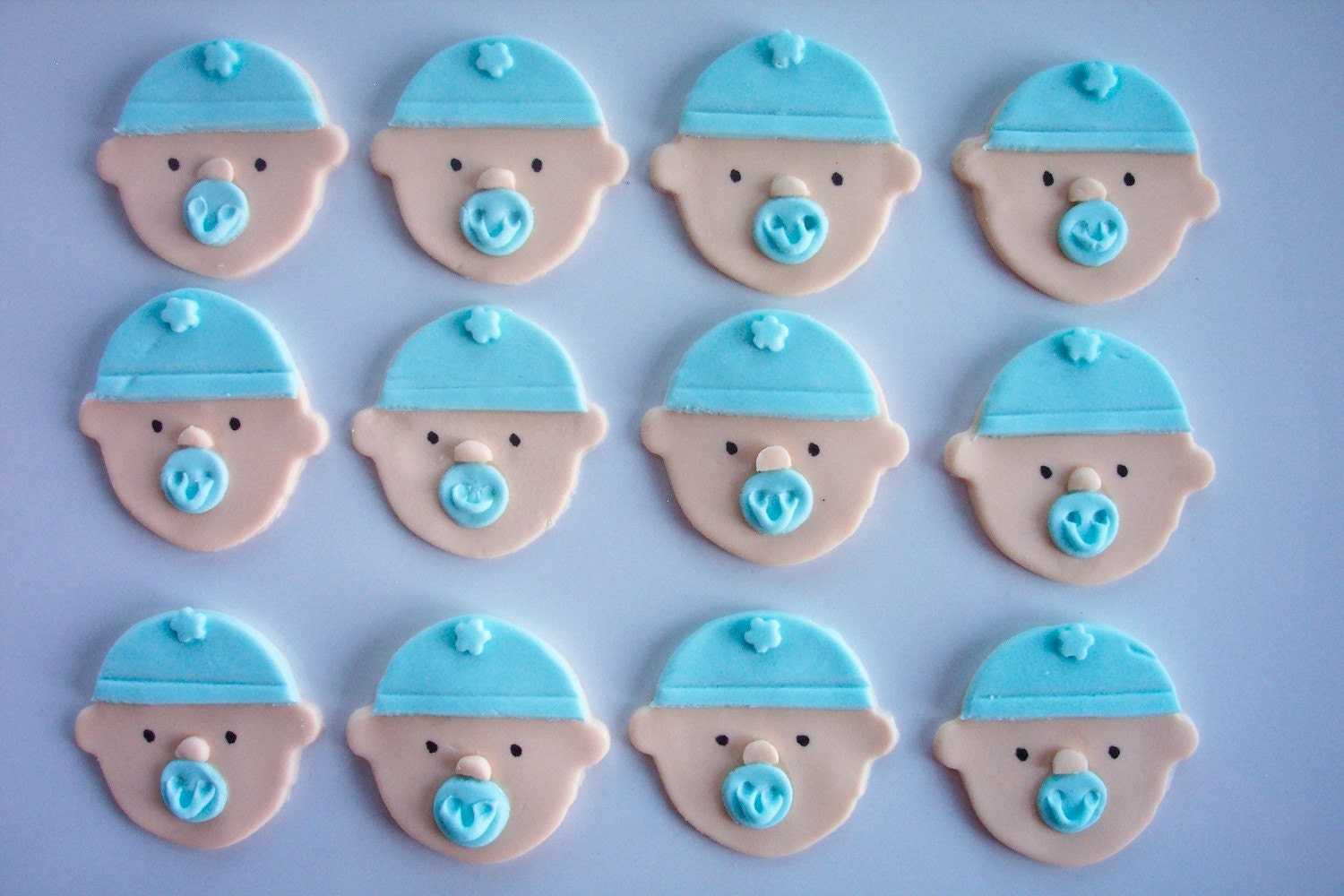 Fondant Cupcake Faces Fondant Cupcake or Cookie