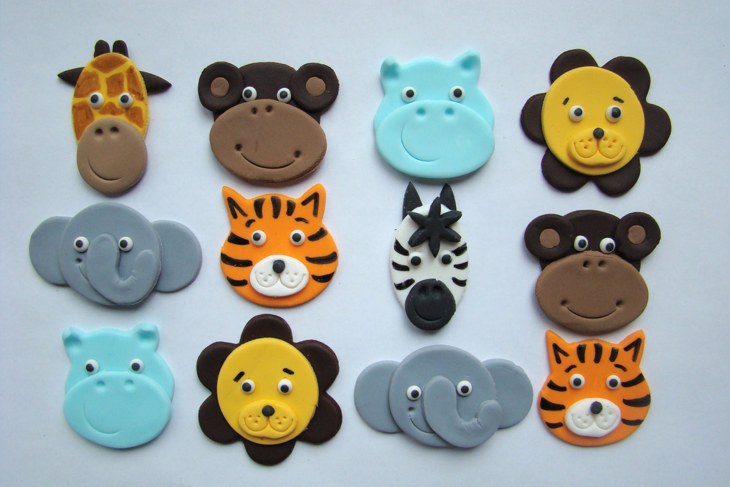 Fondant cupcake or cookie toppers safari animal by for Animal cake decoration