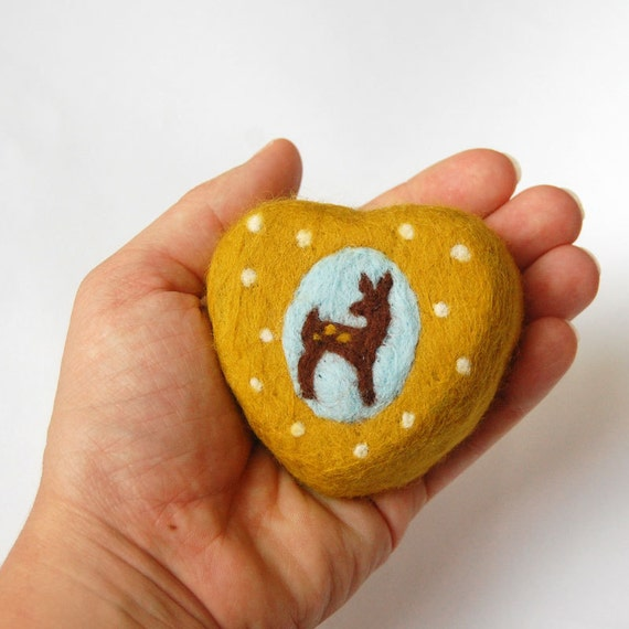 Felted Soap Yellow Heart with Lovely Fawn  ( Cinnamon Sugar Scent)