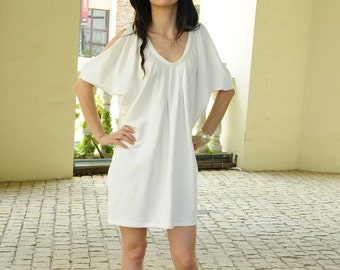 White knitted dress / strapless / sleeveless