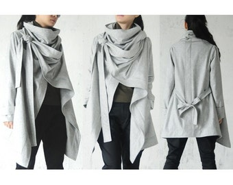 Bandage/Accumulation of the collar/In the long trench coat