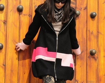 Hooded long coat color in the fight