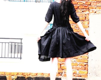 Folding fan waves / black linen dresses