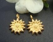 2 pcs, 12x10x2 mm, Bali Artisan, 24K vermeil over Sterling Silver Sun Flower Pendant Charm, PC-0092