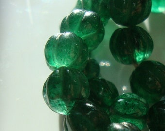 10 pcs, 5-6mm, Emerald Green Aventurine Hand Carved Bead