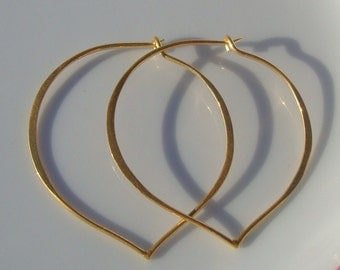 Wholesale 20% Off 50 pairs, Free shipping - 38x37mm, Handmade, 24K Gold Vermeil over Sterling Silver Longevity Peach, Heart, Lotus Petal