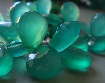 Green Onyx Faceted Pear Briolette, 10 pcs, 10-11x9-8.5 mm